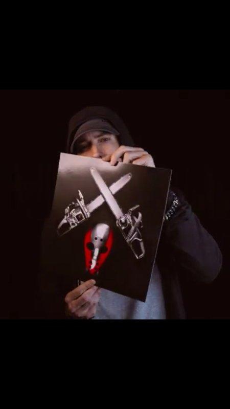 La pochette de Shady XV par eminem ;)