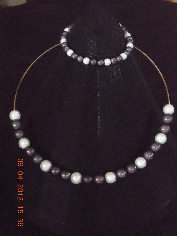 parure perles magiques N&B