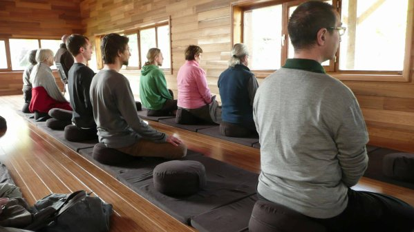 MEDITATION ASSISE ET COMPLEXES.