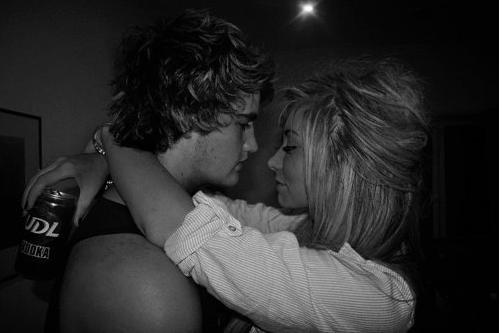 Mais PUTAIN qu'est ce que je suis bien dans tes bras mon amour.