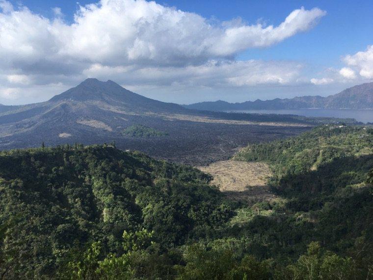 Besakih et le mont Batur