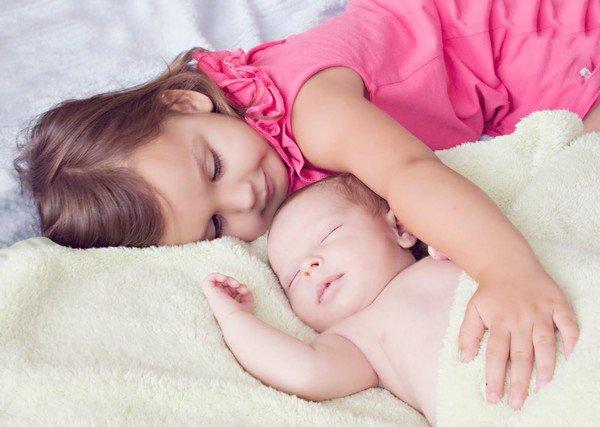bebe et enfant de monde