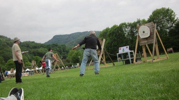 Championnat de France de lancer de couteaux et de haches a Allevard (Isere) 2015