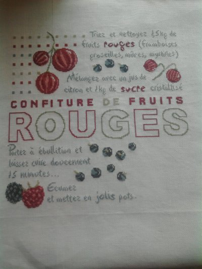 """confiture de fruits rouge"", ca sent la fin lol"