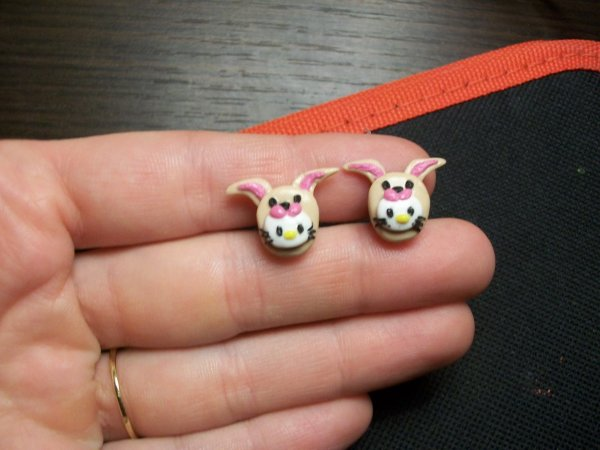Boucles d'oreilles hello kitty lapin