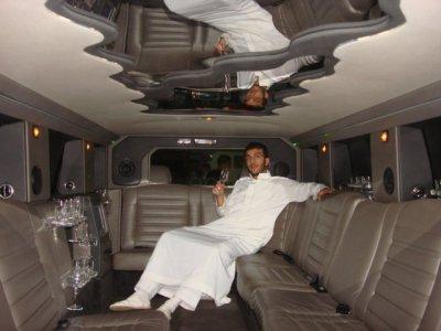 Hummer limousine nouvelle algerie vu par sousou wall2807 for Interieur hummer