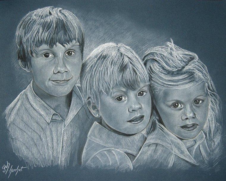 Portrait fusain de 3 enfants