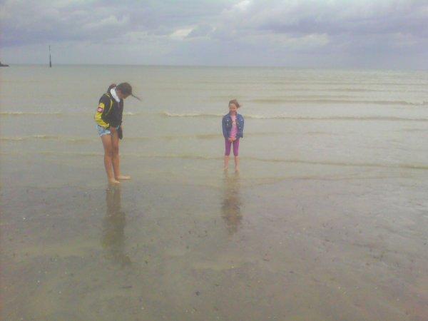 moi  et  ma  niece  a la mer