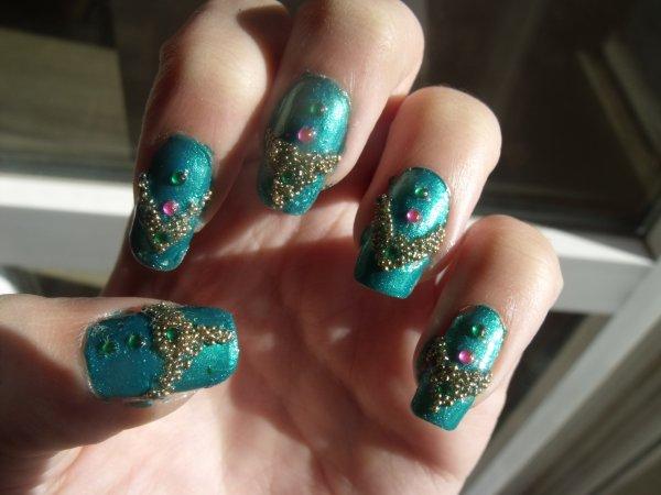Nail art avec perles de verre !