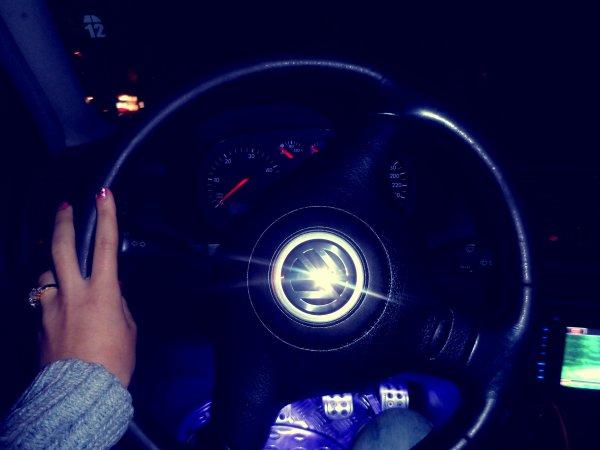 Wiiiiiiiiiiii en voiture avec mon noxchi <3 :)))))))))))))))))