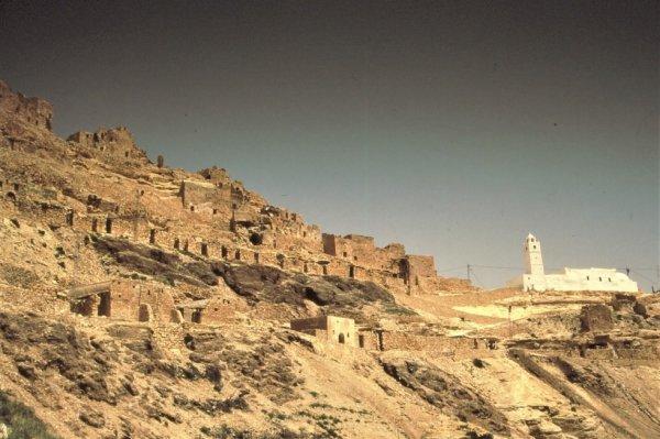Sud Tunisien : village de CHENINI