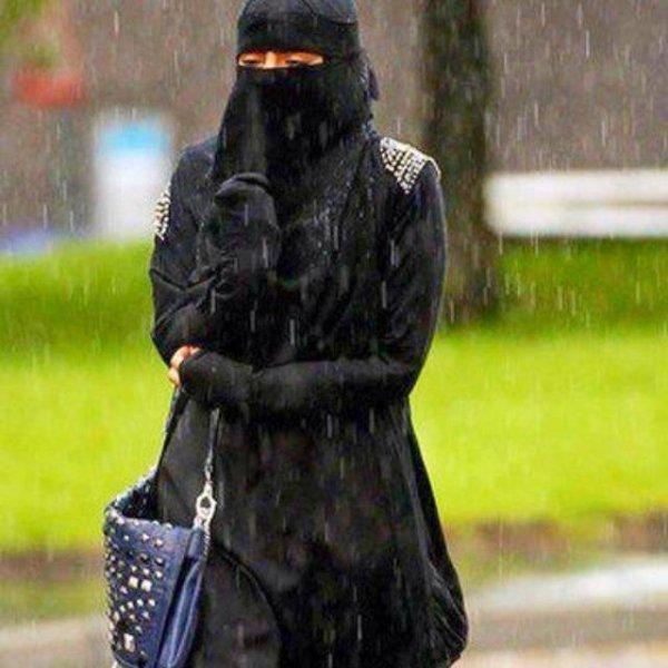 Le niqab dérange sauf quand il est porté par une saoudienne