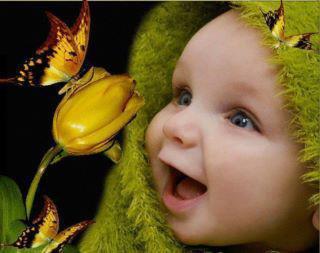 ds mn univers dark il y'a aussi une place pr la couleur!!!ma passion pr les bébés !!!!ki illuminent mn ciel sombre koi de pls bo ke le sourire d'un enft un vrai rayon de soleil ki réchauffe les coeurs!!!