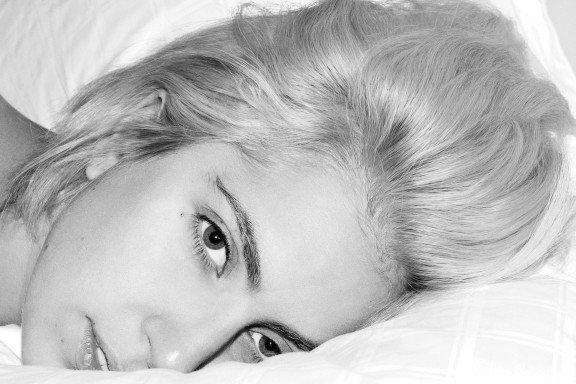 At the end of the day, you won't be happy until you love yourself. - Lady Gaga --------------------------------------------------- À la fin de la journée, tu ne seras pas heureux tant que tu ne t'aimeras pas toi-même. - Lady Gaga
