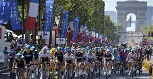 17h45: Le final sur les Champs Elysées EN DIRECT !