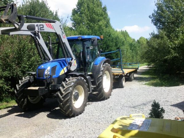 New holland t6030+plateau rolland