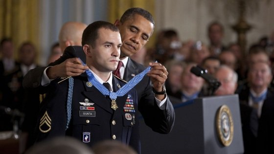 Sergent-chef Salvatore Giunta, 25 ans « Si je suis un héros, alors tout homme qui se trouve autour de moi, chaque femme dans l'armée, tout le monde qui va vers l'inconnu est un héros »