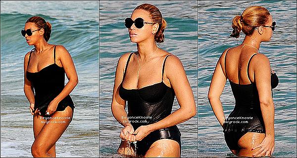 _ 10/04/12 : De passage à St Barth, Bee et Jay-Z ont été vu, profitant du beau temps, à la plage. _