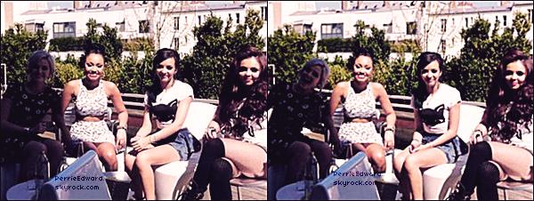 26.04.2013 - Les Little Mix avant l'interview pour TeeMix.