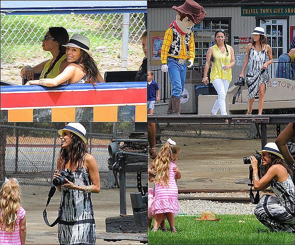 - 13 /07 / 12 : Eva Longoria était invitée à l'anniversaire du fils d'une de ses meilleures amie au parc Griffin à L.A -