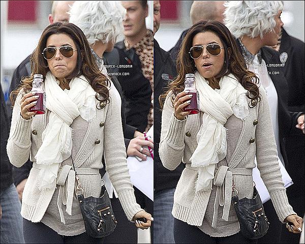 - 03/10 : Eva et ses têtes bizarres ,  entrain de se promenée en faisant les magasins en Nouvelle Zélande  -