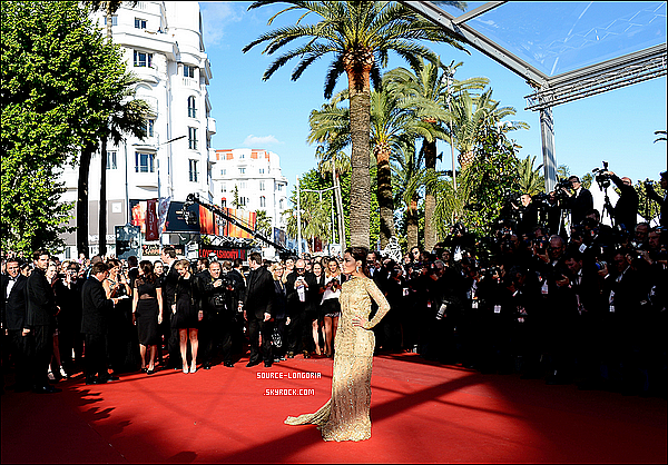 - 17/05/13: Eva  , montant les marches du festival de Cannes pour le  « The 66th Annual Cannes Film Festival». -