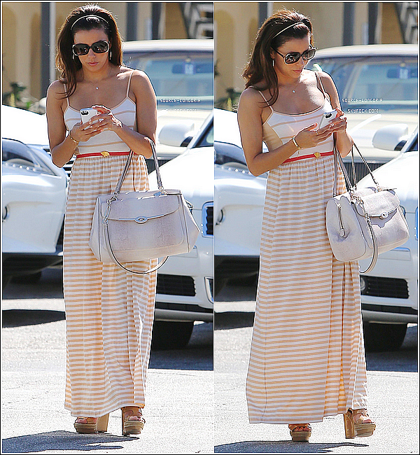 - 17/08/13: Eva Longoria photographiée quittant un salon de manucure à Hollywood . -