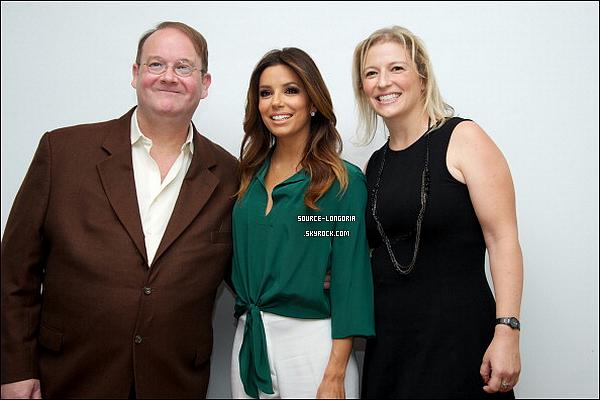 - 14/10/13 : Eva était à la conférence de presse de la série « Devious Maids »  à l'hôtel «Four Seasons» à Los Angeles. -