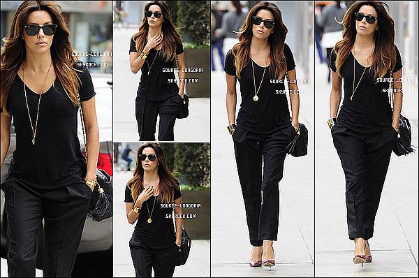 - 24/11/13: Eva , sortant du salon de coiffure de son ami Ken Paves, puis elle à était vue dans les rues de L.A. -