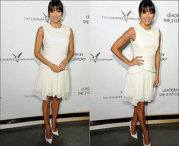 """- 26/02/2014: Eva Longoria était invitée à une soirée de la fondation """"The Lourdes""""  à Los Angeles. -"""