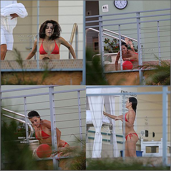 - 25/11/2014: Eva Longoria prenant du bon temps dans un hôtel luxueux en compagnie de son chéri José à Miami. -