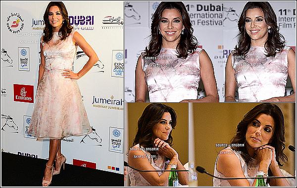 - 13/12/14: Eva Longoria était à une conférence de festival du film à Dubai -