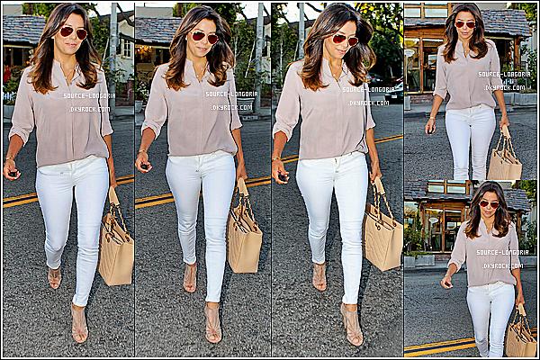 - 02/10/14 : La ravissante actrice Eva Longoria à était vue sortant du salon de meilleure ami Ken Paves à L.A.  ♥ -