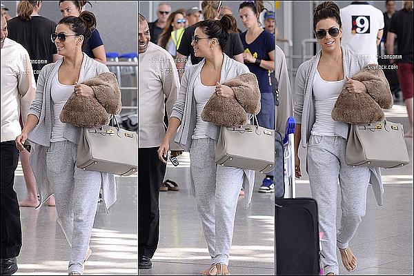 - 02/05/15: Eva Longoria a était photographiée à l'aéroport de Marrakech direction l'anniversaire de David Beckham . -