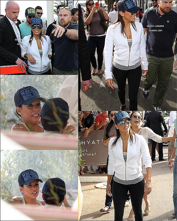 - 15/05/15: Eva et sa meilleure amie Alina Peralta ont étaient vus dans un restaurant sur la croisette à Cannes. -