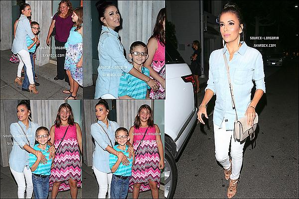 - 25/06/15: Eva  photographiée sortant du restaurant «Mr Chow» , accompagnée de sa soeur et ses neveux à L.A-