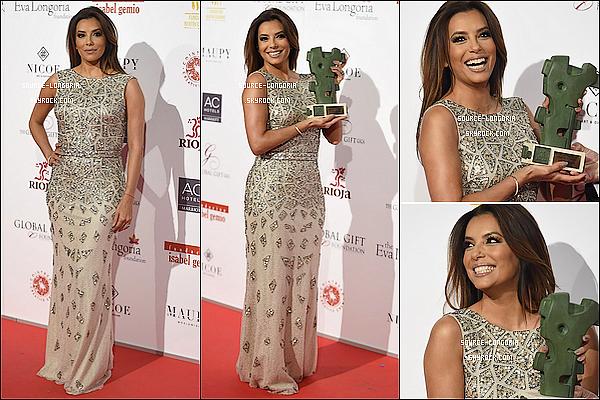 - 02/04/2016: Miss Eva était présente au «Global Gift Gala » qui s'est dérouler au Cibeles Palace à Madrid.Eva est toujours aussi magnifique, un énorme top la robe lui va super bien le maquillage et coiffure aussi et toi ton avis?   -
