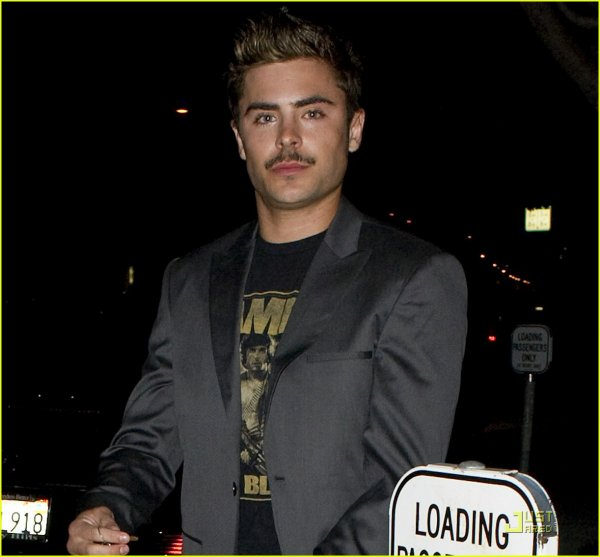 ZAC QUITTE LE RESTAURANT FIG & OLIVE A HOLLYWOOD