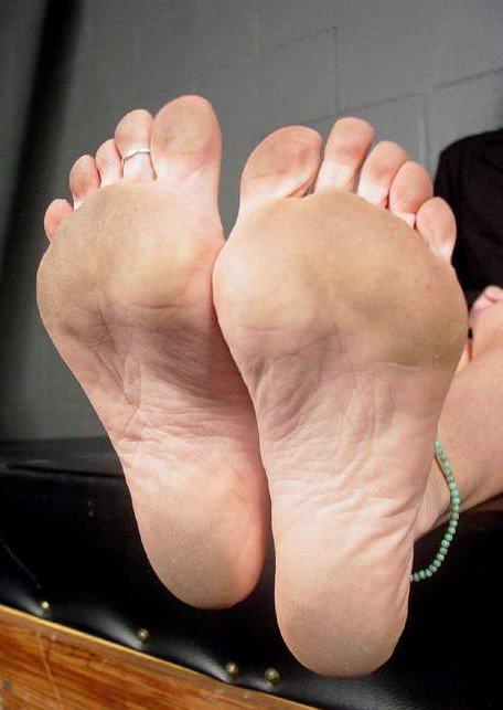 Domination du pied sale