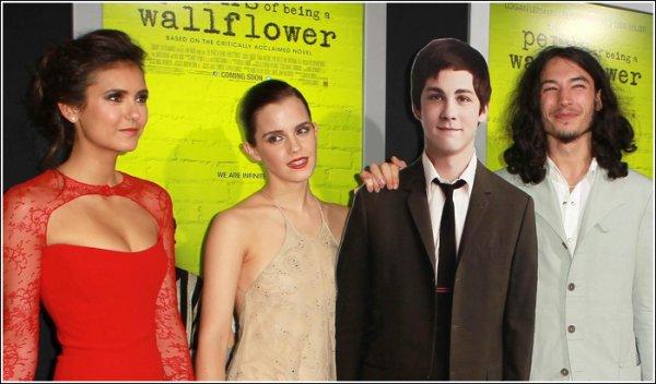 Le 8 Septembre 2012, Nina faisait la Première de The Perks of Being a Wallflower au festival de Toronto. N'est-elle pas sublime ?
