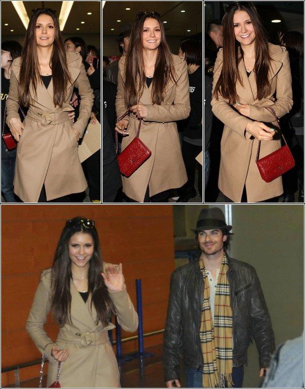 Le 26 Décembre 2012, Nina et Ian Somerhalder on été aperçu à l'aéroport de L.A , pour se rendre àShanghai.