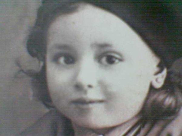 qui connait cette actrice egyptienne???