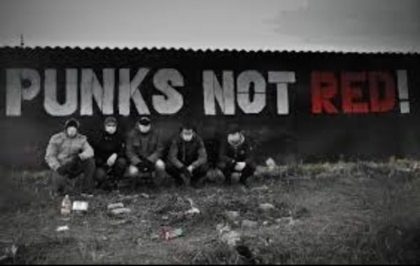 Punk's Not Red !!!