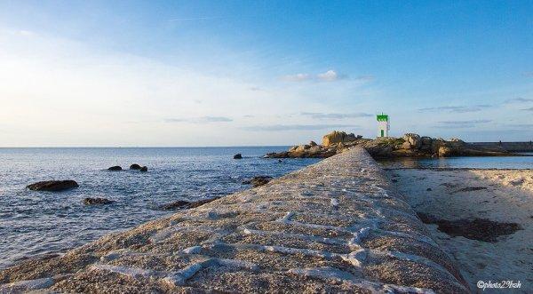 une petite promenade au bord de la mer??
