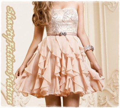 La robe que Kayla achète