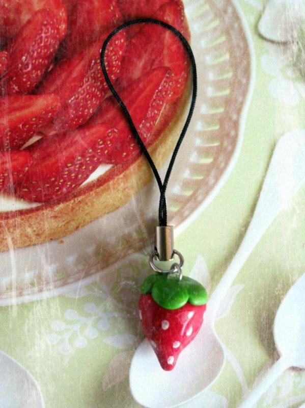 Bijou de portable fraise