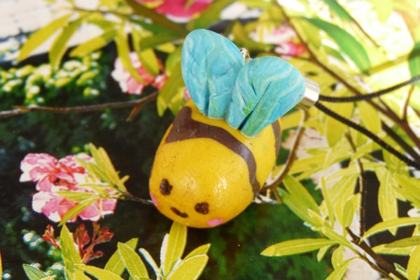 Bijou de portable petite abeille