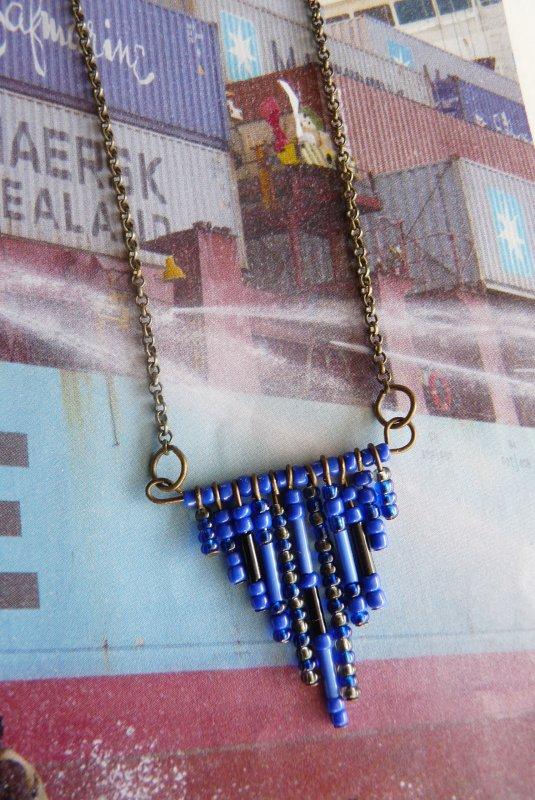 Collier aztèque perles bleu électrique