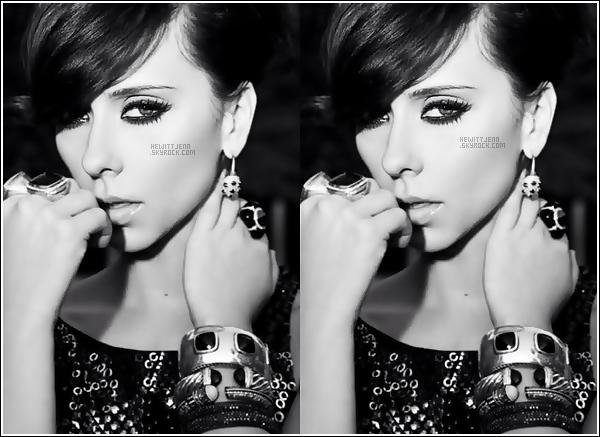 . Il y a peu de temps notre magnifique Jenn a partagé une photo d'un de ses derniers shoot sur Twitter : juste magnifique , énorme coup de coeur ! ♥ .