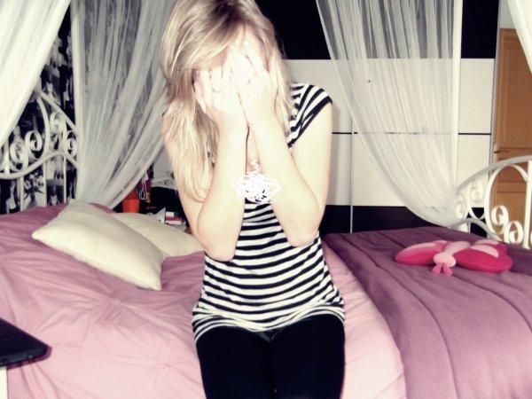 Je ferme les yeux pour empêcher les larmes de couler, mais ça n'y fait rien, saches que c'est une réelle souffrance...
